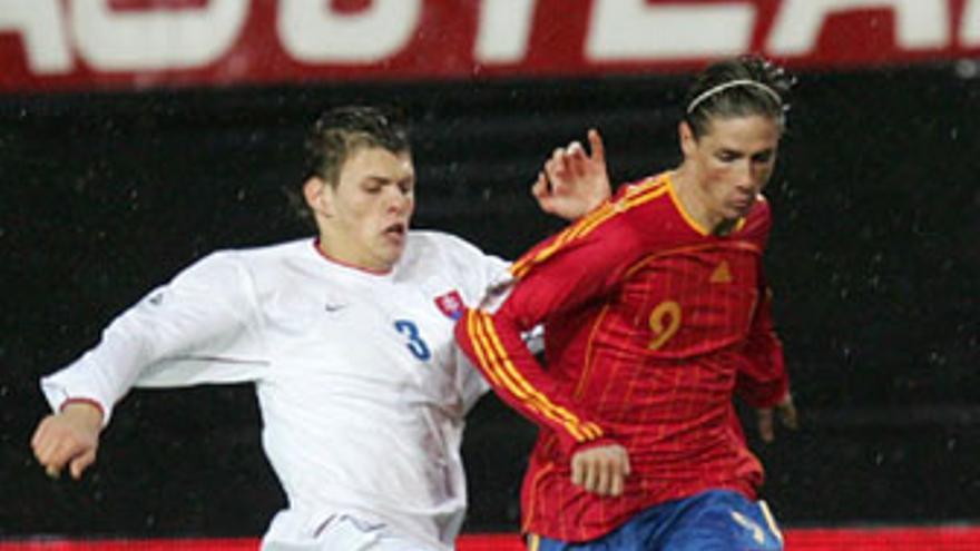 Martin Skertl, central de Eslovaquia, es compañero de Fernando Torres en el Liverpool.