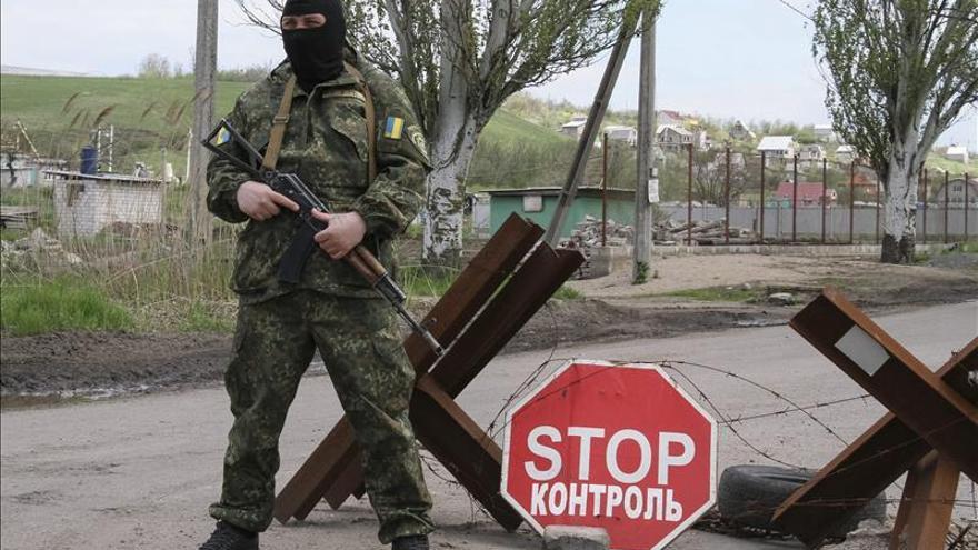 Ucrania detiene a dos oficiales rusos en el este del país