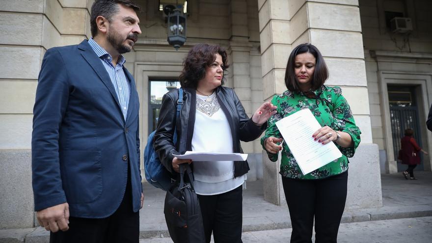 Alcaldesa de Huévar presenta una denuncia contra PSOE por presunta compra de votos y malversación continuada