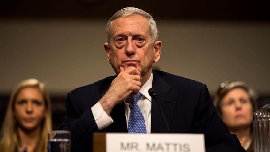 El Senado confirma al primer miembro del gabinete Trump, Mattis en Defensa