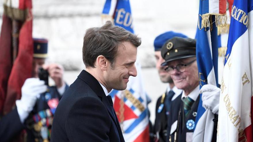 Macron cambia el nombre de su movimiento y abandona su Presidencia