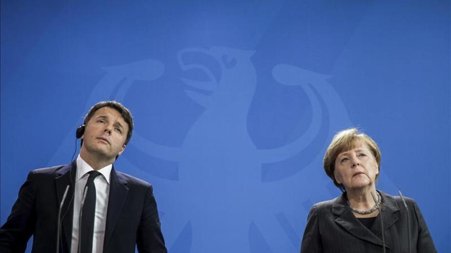 El encuentro entre Merkel y Renzi no logra desbloquear la ayuda a Turquía