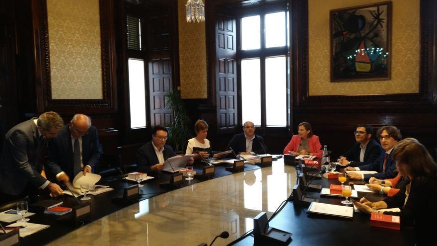 JxSí y la CUP piden a la Mesa del Parlament que tramite la ley del referéndum
