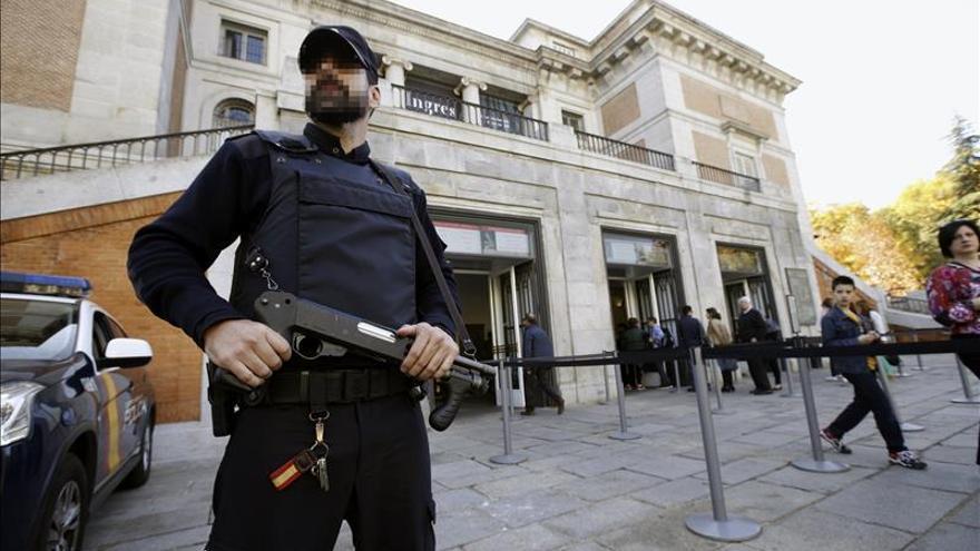 Los ataques de París conmocionan a España, que estudia si refuerza la seguridad
