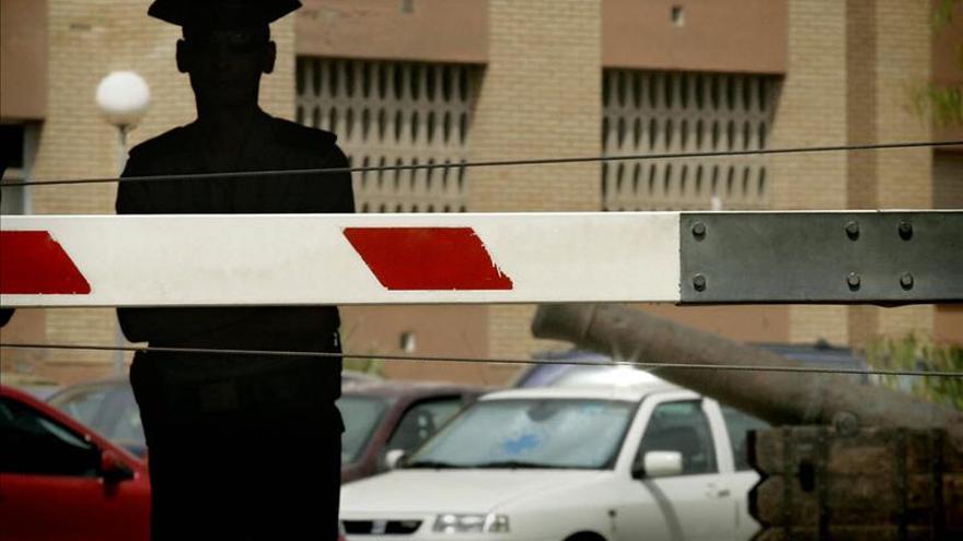 Francia concede su máxima distinción a dos guardias civiles por su lucha contra ETA