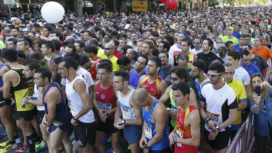 La carrera popular del Casco Antiguo reúne el domingo a más de 5.800 deportistas y unos 4.000 niños