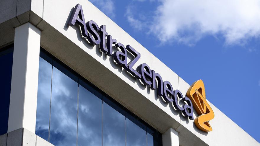 AstraZeneca anuncia a Bruselas el retraso en las entregas de dosis previstas a la UE