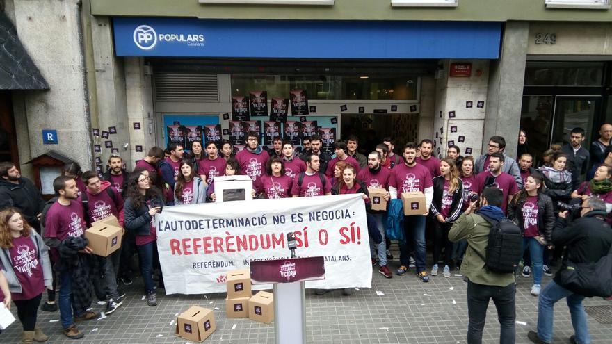 La organización Arran en la sede del PP / Foto: Arran Jovent