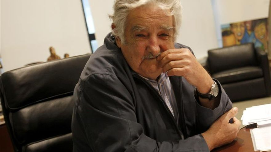 """Mujica critica las injerencias extranjeras para """"derrumbar"""" gobiernos legítimos"""