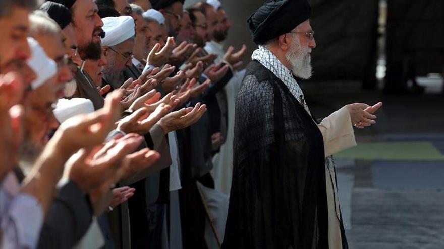 Jameneí advierte de que Irán reaccionará si EEUU extiende el embargo contra su país