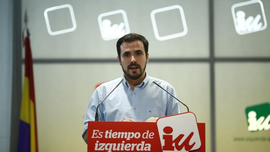 Garzón aboga por un referéndum sobre una posible intervención española