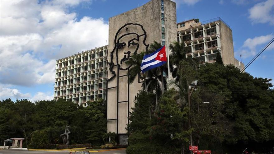 La bulliciosa Cuba se tiñe de luto mientras digiere la pérdida de Fidel
