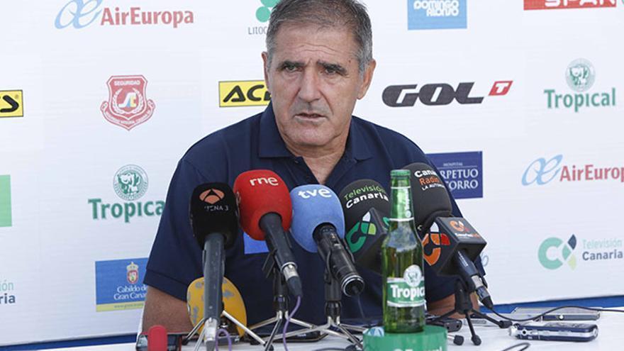 El entrenador de la UD Las Palmas, Paco Herrera. (UD Las Palmas/Carlos Díaz Recio)