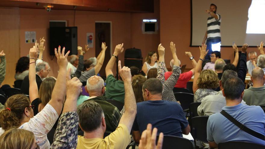 Asamblea de Podemos Las Palmas de Gran Canaria celebrada en Tres Palmas tras las elecciones del 26J