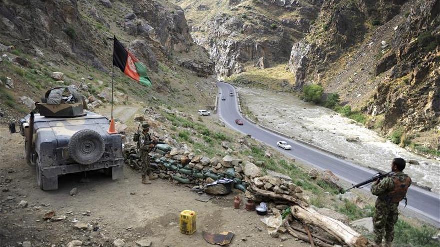 Al menos 122 muertos en una ofensiva talibán en el suroeste de Afganistán