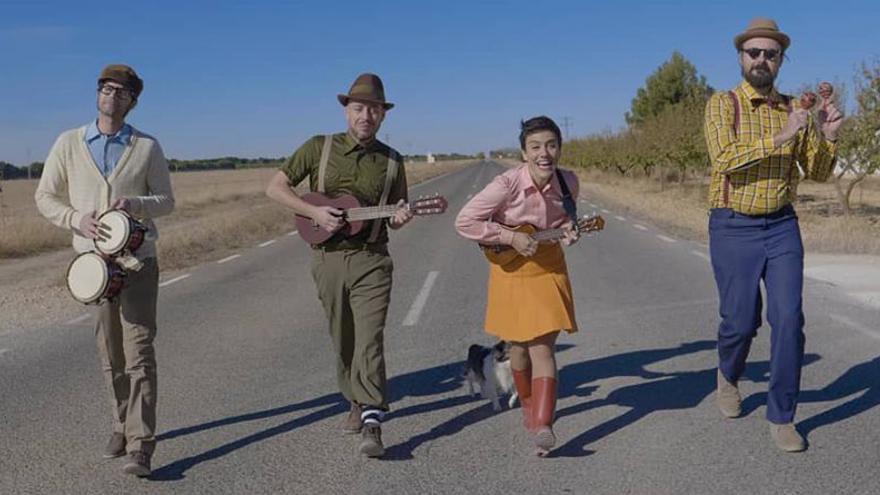 "La Chica Charcos and The Katiuskas Band atracan en la ""isla"" del Teatro Circo de Albacete"