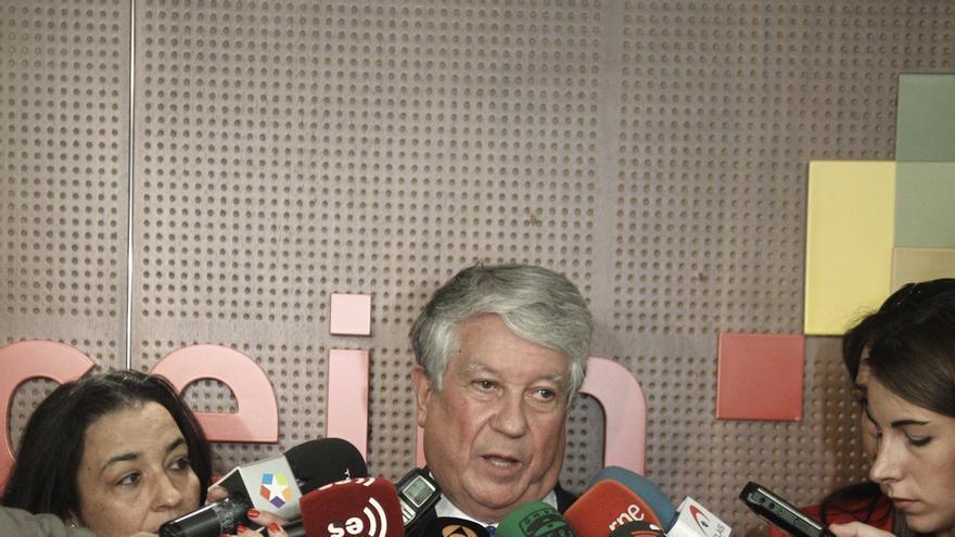 """Arturo Fernández (CEOE) considera que la ley de servicios mínimos es """"una buena decisión"""""""