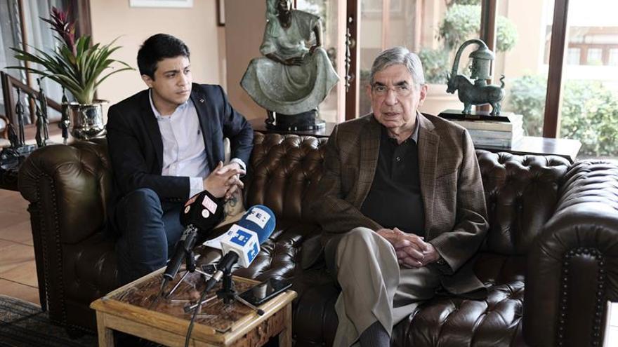 Óscar Arias se aparta de su partido tras denuncias por violación y abusos