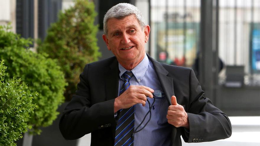 Pérez Tornero, a su llegada al Congreso