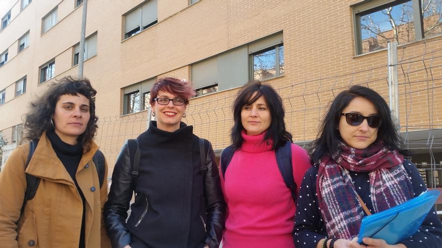 """Inquilinas de las viviendas desalojadas de Guadalajara critican la """"falta de información"""" sobre la situación del bloque"""