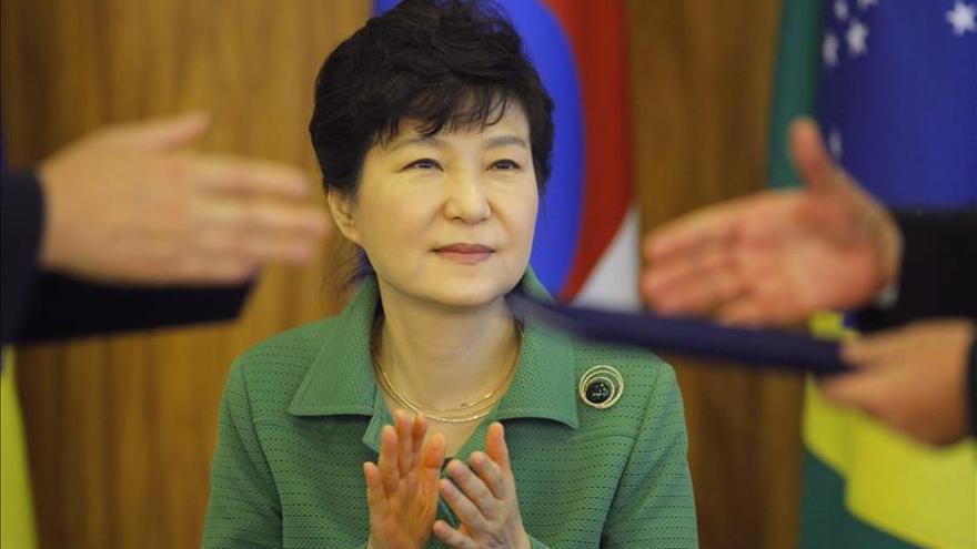 Seúl amenaza con duras represalias tras el ensayo de un misil submarino norcoreano