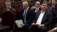 El Supremo condena a 13 años de prisión a Junqueras, a 11 años y medio a Forcadell y a 9 a los 'Jordis'