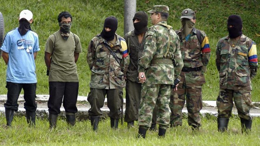 Los grupos armados en Colombia han reclutado a casi 9.000 menores desde 1985