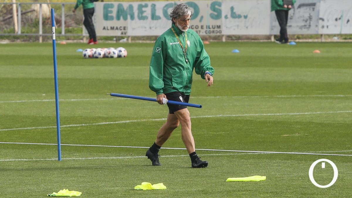 Pablo Alfaro, en un entrenamiento del Córdoba.