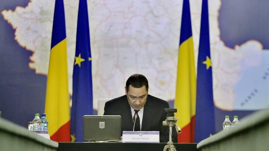 Confirman que el ex primer ministro rumano Victor Ponta plagió su tesis doctoral