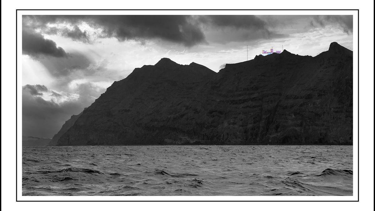 Faro de la Entallada desde el mar