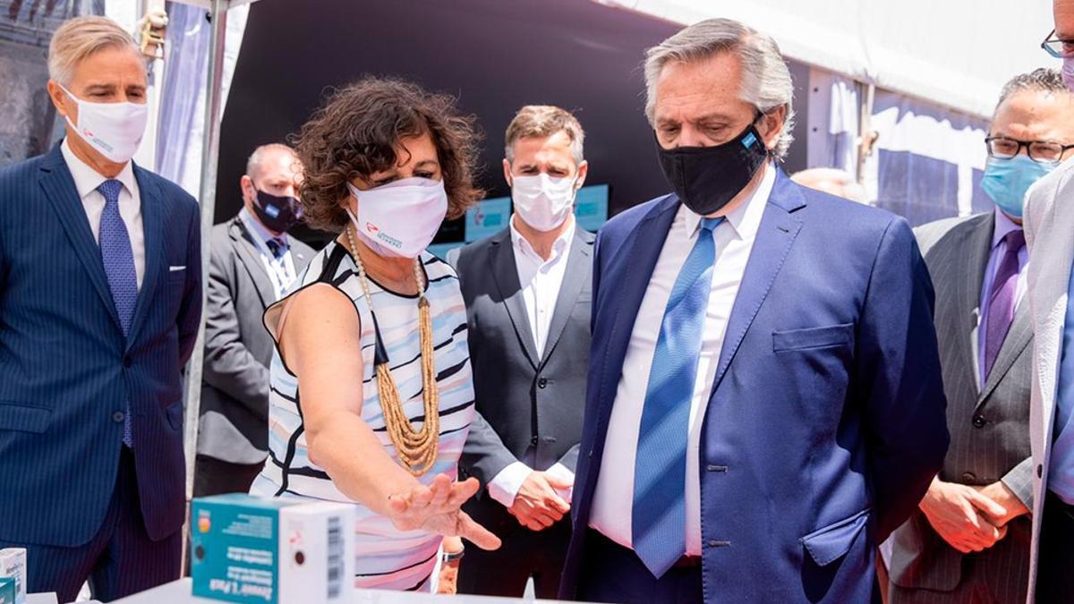 El presidente Alberto Fernández visitó la planta del laboratorio Richmond el 4 de febrero de 2021.