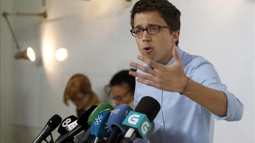 Errejón, suspendido de empleo por la UMA, que le abre un expediente disciplinario.