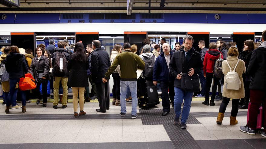 19/12/2017.- Segundo día de paros convocados por el sindicato de maquinistas del Metro de Madrid.