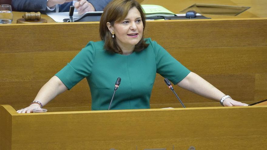 Isabel Bonig, durante una intervención en les Corts.