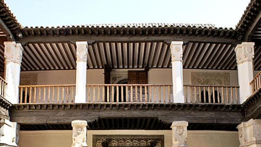 Patio del Palacio de Fuensalida, sede del Gobierno de Castilla-La Mancha