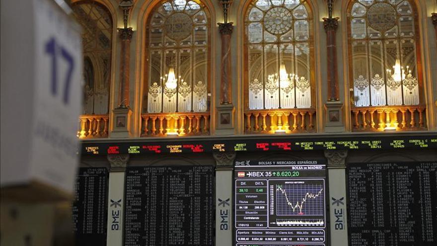 El IBEX 35 se mantiene en positivo a mediodía y sube el 0,19 por ciento
