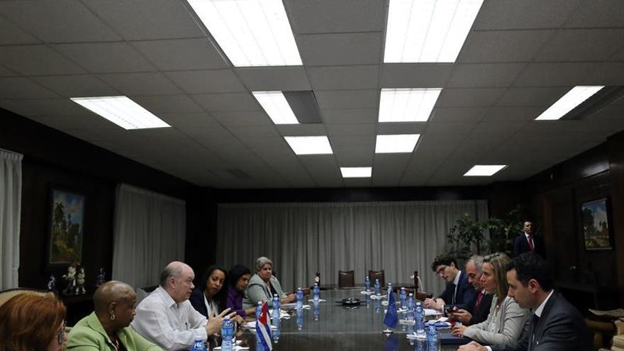 Mogherini arranca su visita a Cuba con una reunión con el ministro de Comercio