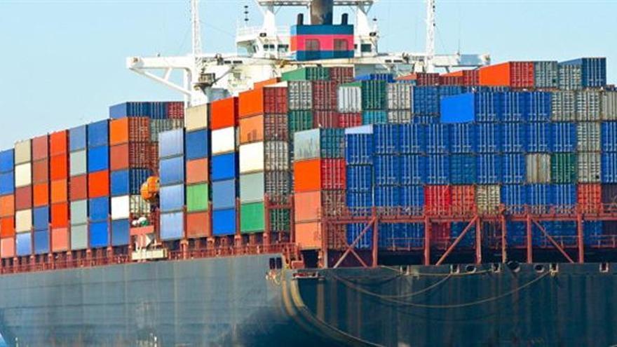 Canal de Panamá suspende restricción de calado de buques anunciada para junio