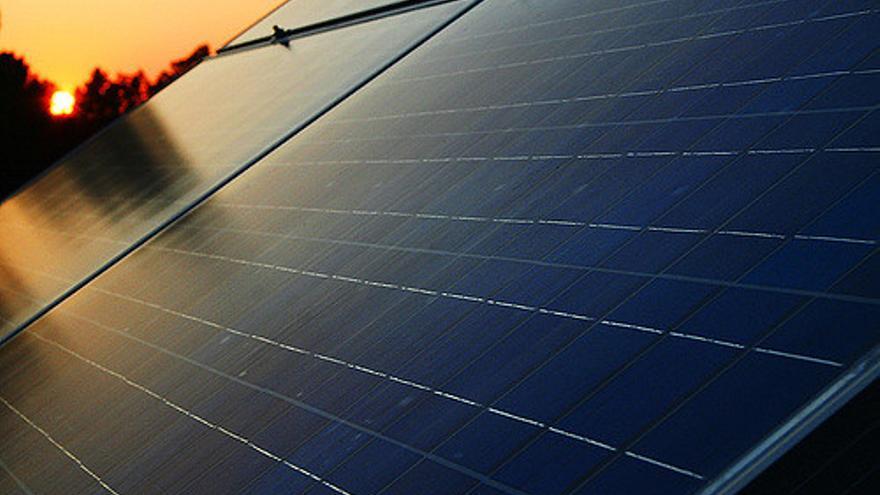 Para legalizar una instalación doméstica de placas solares, es necesario pasar por un costoso proceso burocrático