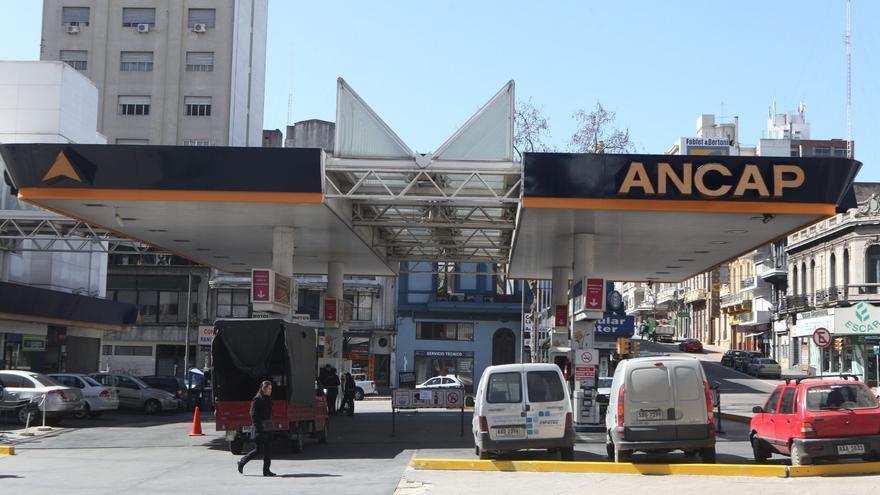 Entran en vigencia nuevos impuestos a combustibles y tabaco en Uruguay