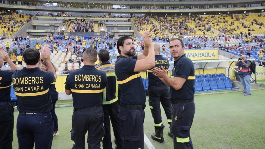 El homenaje a los héroes de los pasados incendios en Gran Canaria.