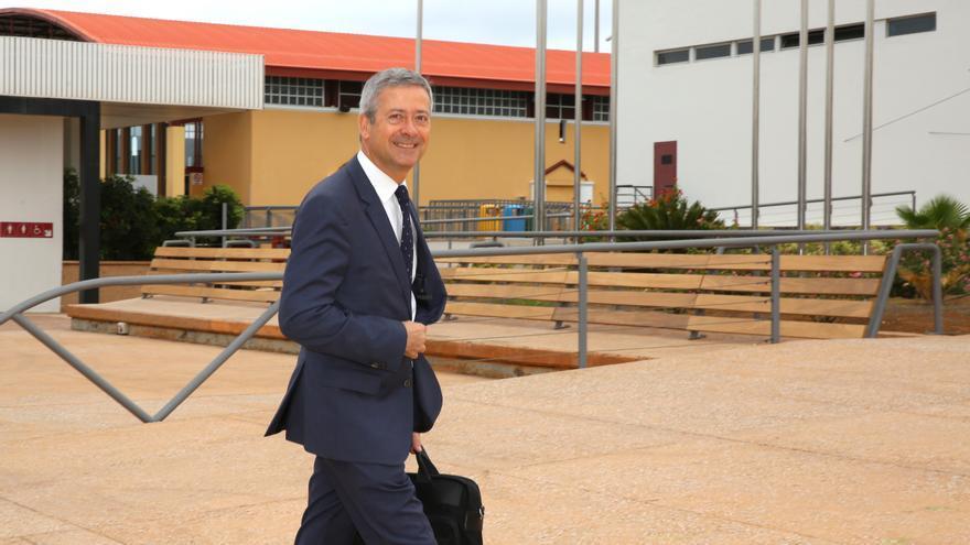Agustín Manrique de Lara, reelegido por aclamación como presidente de la Confederación Canaria de Empresarios.