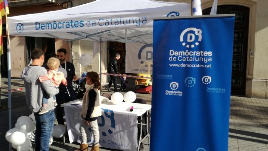 Demòcrates de Catalunya lamenta una agresión en una carpa en Vilanova i la Geltrú