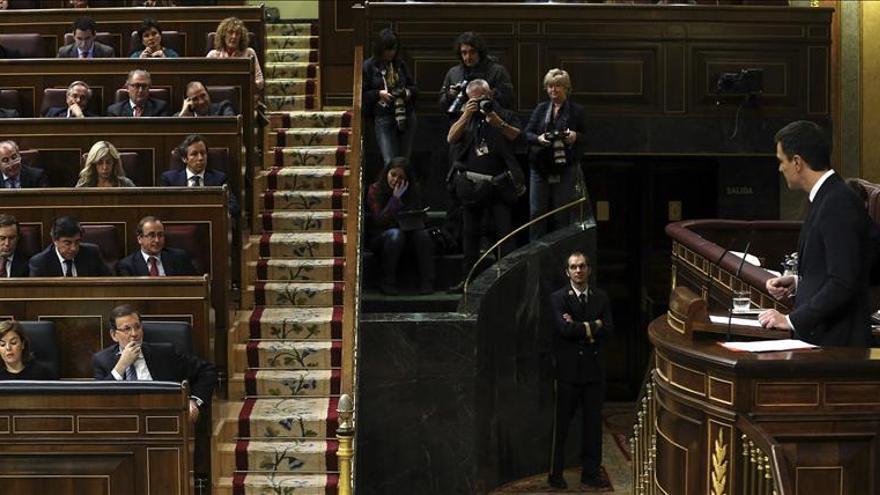 """Sánchez le dice a Rajoy que """"la dimisión de Mato apunta directamente al PP"""""""