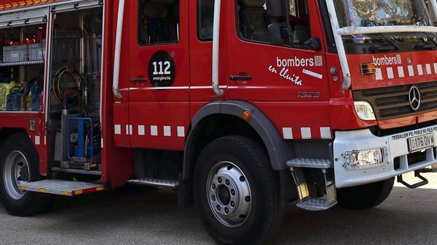 Fallece una anciana en Reus al incendiarse el colchón de su cama