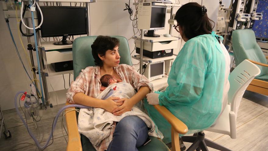 Atención a prematuros en el hospital Vall d'Hebron.