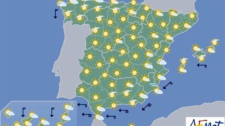 Hoy, nubes altas en el Cantábrico oriental y el litoral sureste