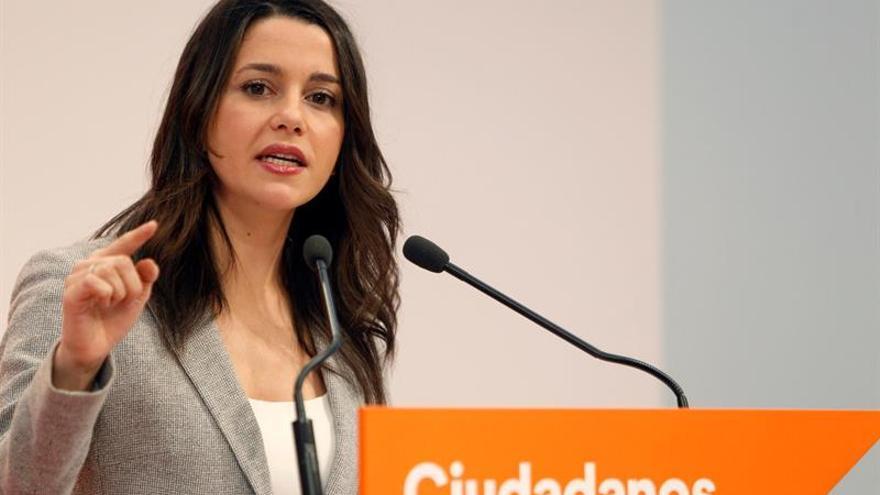 Cs da hoy de plazo al PP para cambiar a Sánchez y pide al PSOE no atornillarse