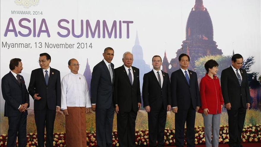 """Obama pide a la ASEAN permanecer """"unidos"""" para avanzar en los retos globales"""