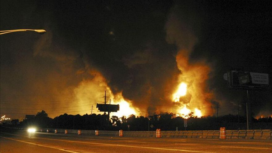 Al menos 14 heridos, seis gravemente, por explosión e incendio en Minneapolis